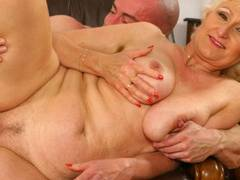 Horny blonde opens wide for a fist-nail